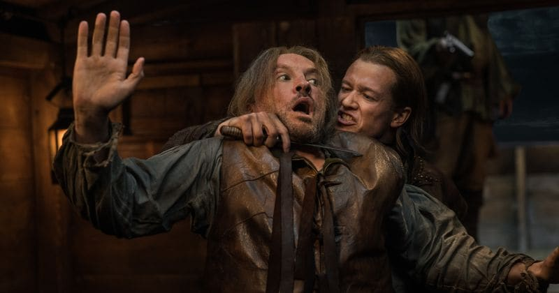 «Outlander». Չարագործ Սթիվեն Բոննեի չարագուշակ ներկայությունը կարող է օրհնություն լինել քողարկված Ֆրեյզերի հավաքույթի համար