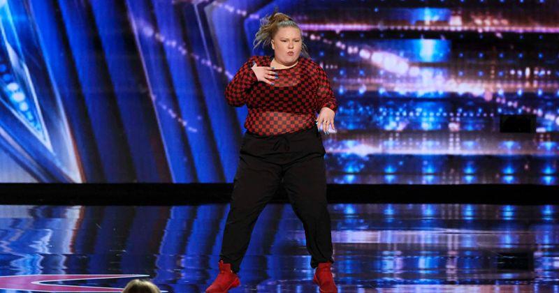 """""""Amerika má talent"""", sezóna 15: Heidi Klum bzučí tanečnicu, ktorá bola zahanbená, fanúšikovia tvrdia, že ju teraz vyhodiť"""