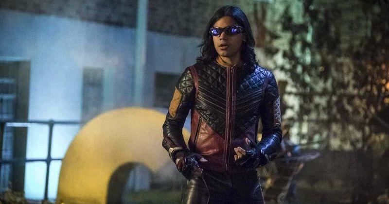 O episódio 2 da 6ª temporada de 'The Flash' sugere o retorno de Cisco Ramon como Vibe, mesmo enquanto o Team Flash se prepara para a iminente 'Crise'