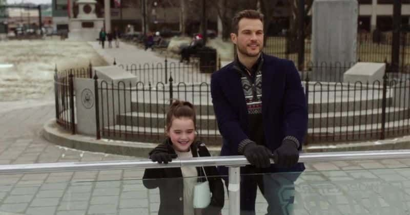 'Christmas on Ice': Conheça Abigail Klein, Ryan Cooper e o resto do elenco do filme de Natal da Lifetime