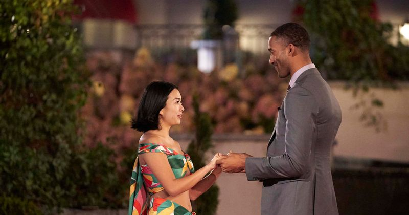 """Kas ir Kima Li? Iepazīstieties ar konkursa """"The Bachelor"""" dalībnieku, kurš tika nosūtīts mājās rekordīsā laikā, skatītāji zvana šovā """"Anti Asian"""""""