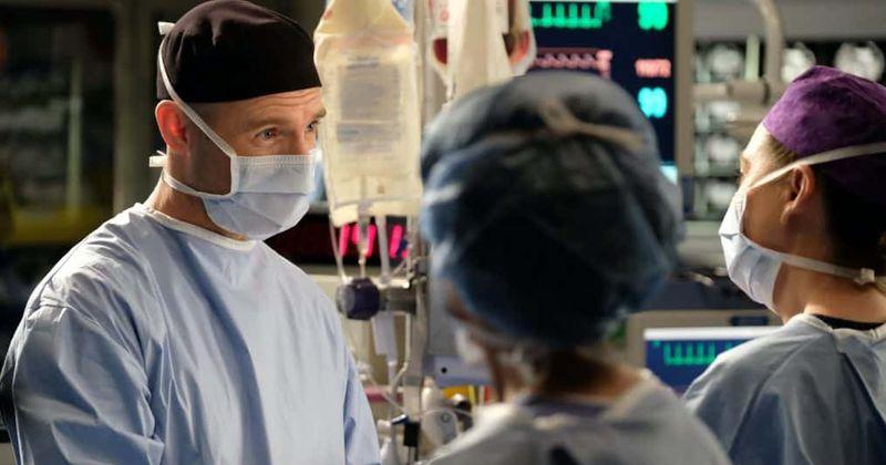 """""""Grey's Anatomy"""" 16 sezonas: Panašu, kad Meredith ir DeLuca baigėsi, kai rašytojai pastūmėjo ją link McWidow"""
