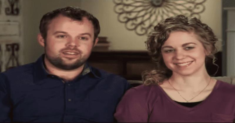"""""""依靠""""预览:约翰·戴维(John-David)和阿比·杜加(Abbie Duggar)在一次意外破坏了他们的计划后缩短了蜜月期"""