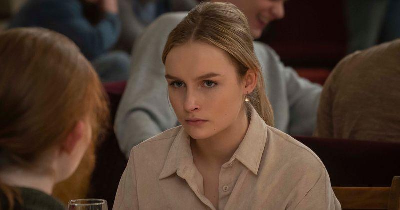 """""""Visuomenės"""" 2 sezonas: tragiškas Elle nuopuolis nuo mažo nepriekaištingo iki sumušimo ir skriaudimo yra per daug paplitusi pasaka"""