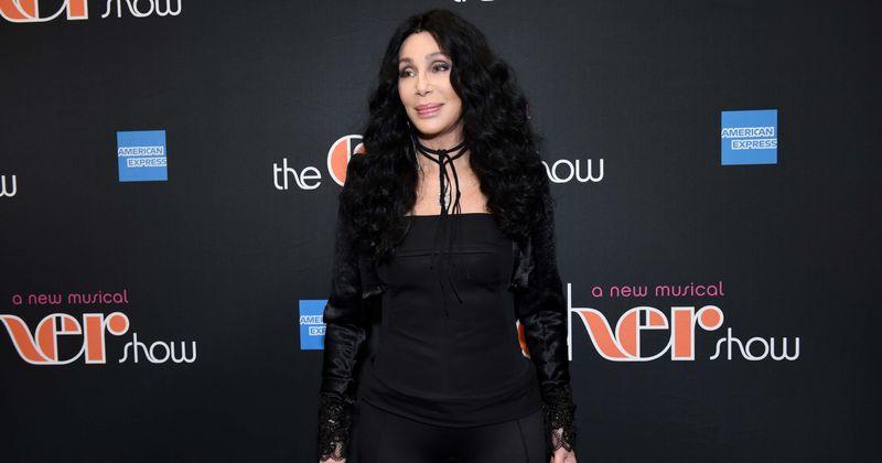 Cher fala sobre interpretar a mãe de Meryl Streep na sequência de Mamma Mia: 'Eu não tive muita escolha!'