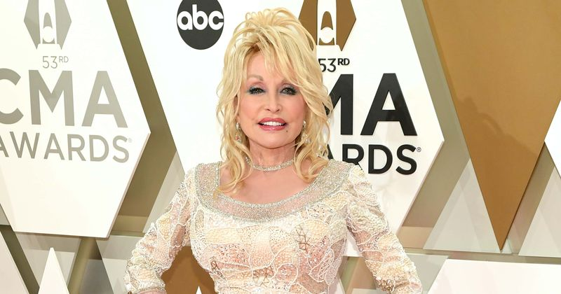 'Dolly Parton: MusiCares Tribute': Čas predvajanja, kako pretakati v živo, napovednik in vse, kar morate vedeti o posebnem Netflixu na ikoni države