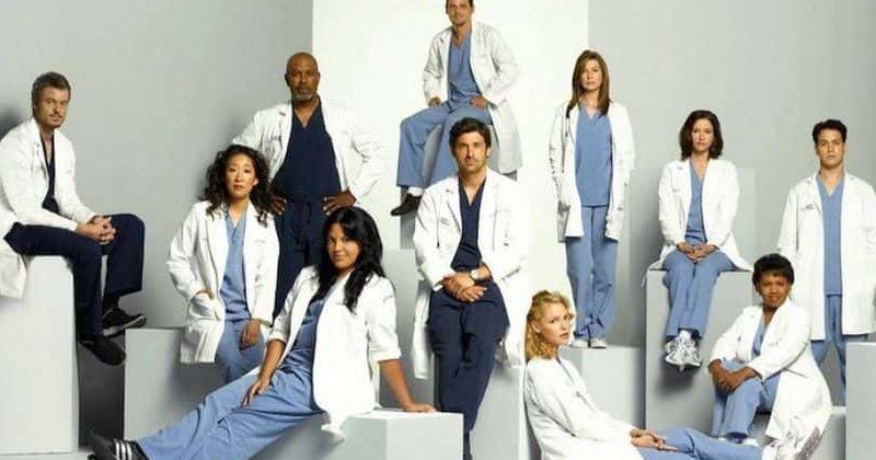 «Grey's Anatomy» սեզոն 16. Գլխավոր հերոսի մահվան մասին տեսությունը զայրույթ է առաջացնում, երկրպագուները բաժանվել են acksեքսոնի և Օուենի միջև