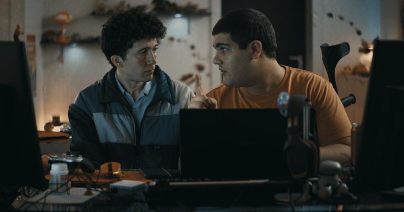 «Ինչպե՞ս վաճառել թմրանյութերը առցանց (արագ)» 2-րդ սեզոն. Հանդիպեք Netflix- ի գերմանական կատակերգական դրամայի դերասանական կազմի հետ