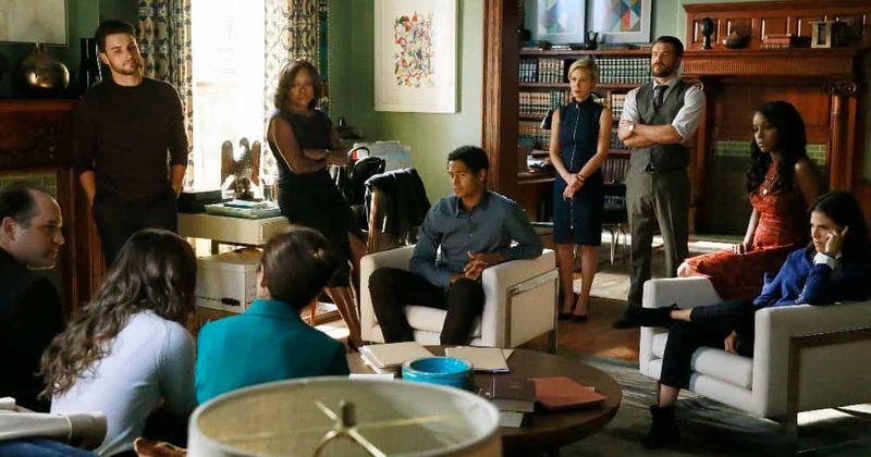 A 6ª temporada de 'How To Get Away With Murder' entra em uma pausa no outono e os fãs mal podem esperar para saber o que acontece após o suspense do episódio 9