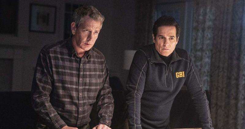 O episódio 2 de 'The Outsider' fica mais sobrenatural com Terry aparentemente em 2 lugares ao mesmo tempo e um homem sem rosto