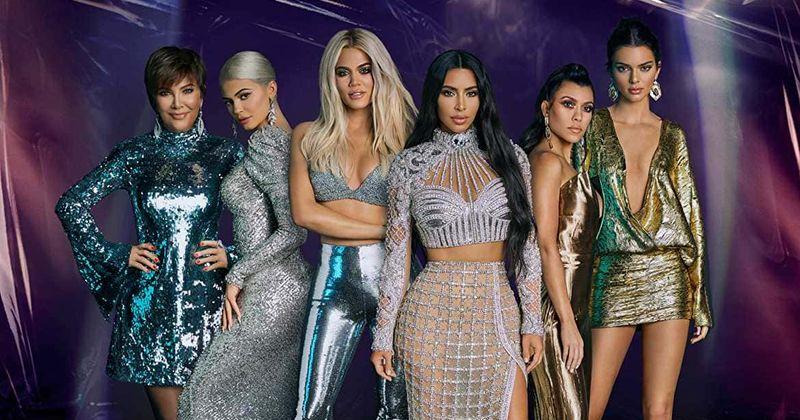 'Continuando com os Kardashians', temporada 17, episódio 4, adiado para 6 de outubro, porque a promoção provoca as férias de Kourtney, Scott e Sofia