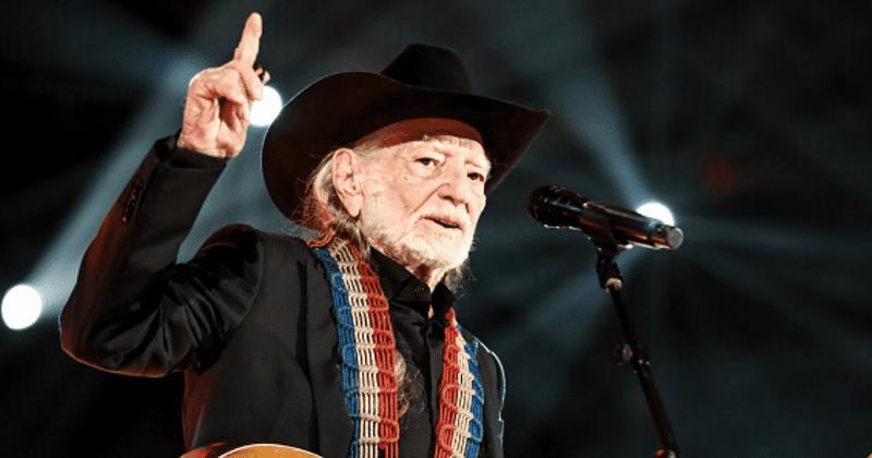 Willie Nelson e Trigger: uma história de amor feita no paraíso da guitarra