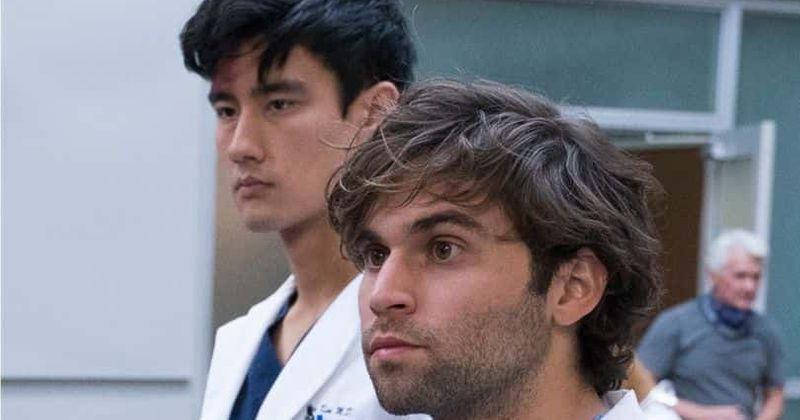 16ª temporada de 'Grey's Anatomy': Os fãs adoram como o casal gay Nico e Schmitt se apóiam e querem ver mais deles