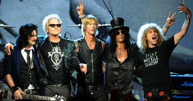 O Guns N 'Roses lança o vídeo' It's So Easy 'nunca visto antes