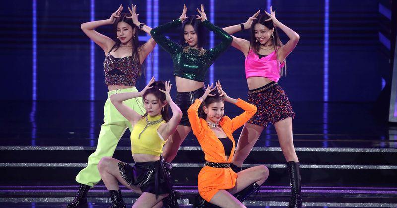 """ITZY """"Not Shy"""" angļu valodas versija: izlaišanas datums, teaser, straumēšanas veids un viss, kas jums jāzina par K-pop grupas atgriešanos"""