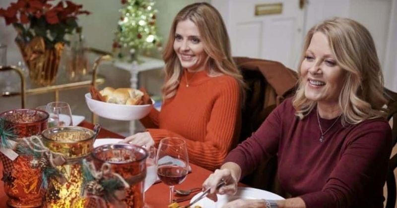 'USS Christmas': ti presentiamo Jen Lilley e Barbara Niven, il cast del film romantico e misterioso di Hallmark