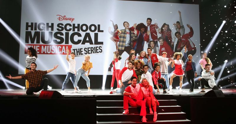 """""""高中音乐剧:音乐剧:系列""""第2季:播音时间,直播方式,预告片以及有关Disney Plus节目的所有了解"""