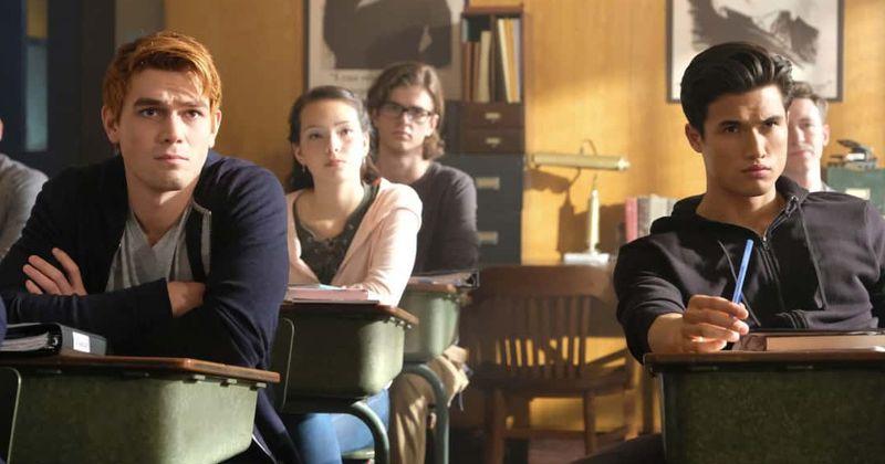 «Riverdale» 4-րդ եթերաշրջան. Չարլզ Մելթոնի Ռեջի Մանթլը վերջապես տեսակավորում է իր ընտանեկան խնդիրները, և նա ստիպված է Արչին շնորհակալություն հայտնել դրա համար