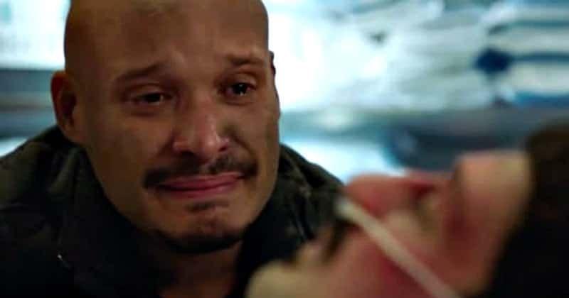 A cena emocional de Crotis do final da oitava temporada de 'Chicago Fire' fez os fãs agradecerem aos escritores por serem tão 'vulneráveis'