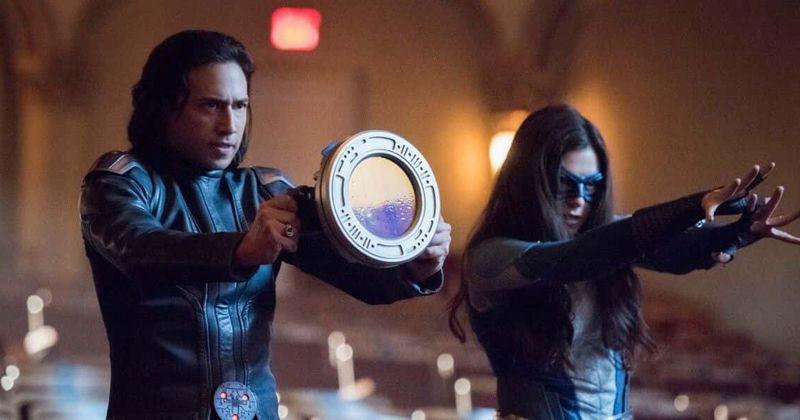 5ª temporada de 'Supergirl', Episódio 19: Fãs ameaçam fazer tumulto se Brainy morrer antes que Nia possa salvá-lo