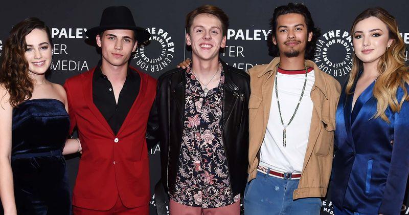 """SDCC 2019: Jaunās """"Cobra Kai"""" zvaigznes Xolo Mariduena, Tanner Buchanan un Mary Mouser dalās cerībās par saviem varoņiem 3. sezonā"""