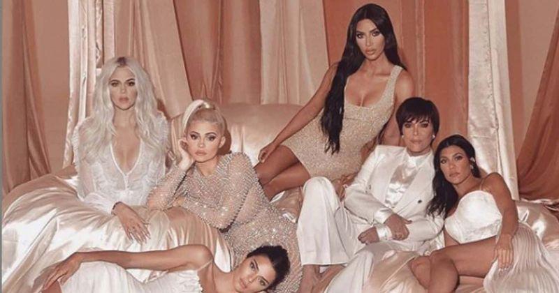 'Acompanhando as Kardashians' renovado para a 18ª temporada e os fãs estão aliviados que as irmãs estão voltando