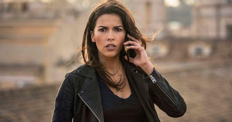 Sofia Pernas se identifica com o exterior de aço de sua personagem de 'Sangue e Tesouro', a rebelde Lexi Vaziri