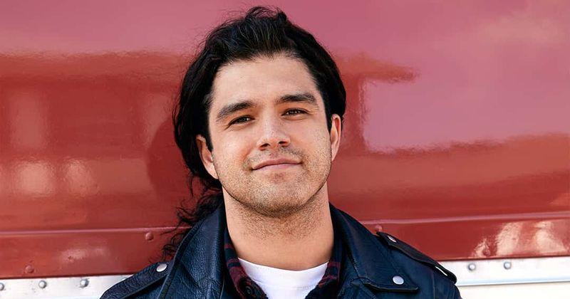 'Selena: sari': Jesse Posey ütleb, et vihase Chris Perezi mängimine oli 'keeruline', vihjab emotsionaalsele 2. osale