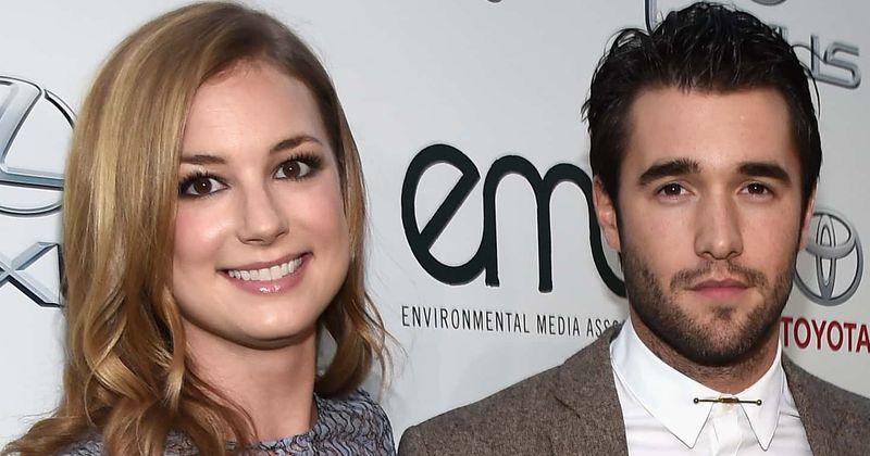 Quem é o marido de Emily VanCamp, Josh Bowman? Um olhar sobre a história de amor deles, que começou nos sets de 'Revenge'