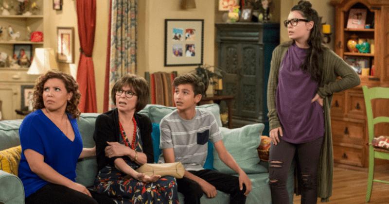 'Um dia de cada vez': Conheça Justina Machado, Rita Moreno, Isabella Gomez e o resto do elenco da sitcom de sucesso da CBS
