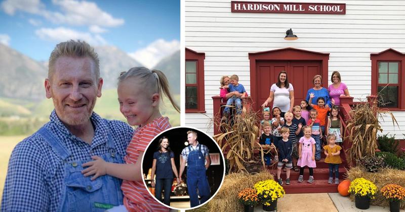 Após a morte de sua esposa, o cantor country Rory Feek construiu uma escola para sua filha com Síndrome de Down depois que fãs doaram dinheiro