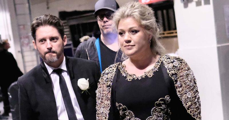 Kokia yra Kelly Clarkson grynoji vertė? Laimėjusi vaikų globą, Brandon Blackstock siekia 436 tūkst. USD per mėnesį paramos