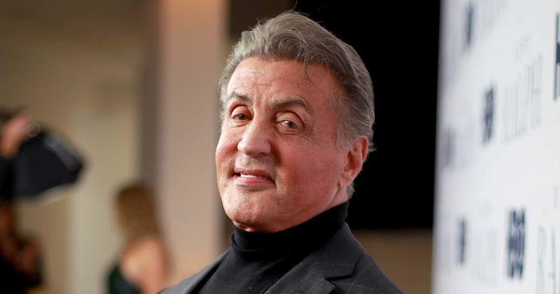 Qual é o patrimônio líquido de Sylvester Stallone? Estrela 'Rocky' reduz preço de villa na Califórnia em mais de US $ 1 milhão