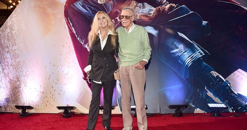 Stan Lee acusa a filha e outras três de tentar obter o controle de bens e propriedades, alega 'abuso de idosos'