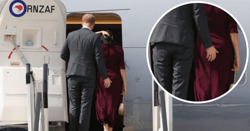 Príncipe Harry 'atrevido' pegou 'dando tapinhas' na bunda de Meghan Markle ao embarcar em um avião
