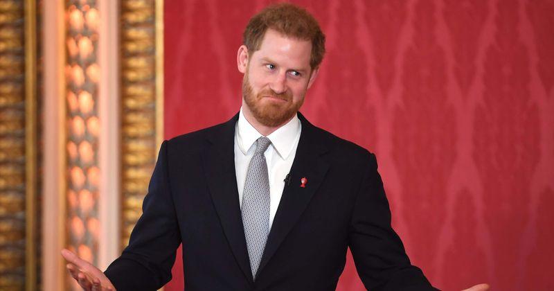 Արքայազն Հարրին համաձայնել է «ամուսնանալ ինձ հետ». Սոցիալական ցանցերում կոնմանի կողմից խաբված կին փաստաբանը ցանկանում է, որ թագավորը ձերբակալվի