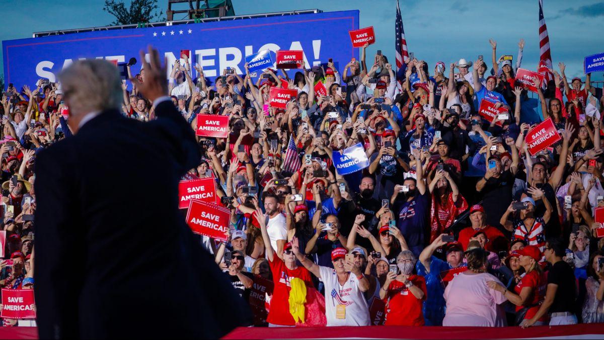Sarasota Trumps í Flórída, mæting í fylki: Sjá mannfjöldamyndir