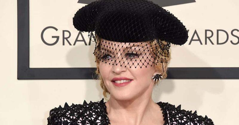 Madonna é acusada de receber implantes de bunda depois de postar uma foto de bunda nua: 'Os implantes de bunda mais horríveis de todos os tempos'