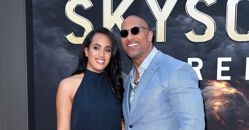 Dwayne 'The Rock' Johnson está muito orgulhoso da filha Simone por assinar com a WWE, tornando-a lutadora profissional de 4ª geração