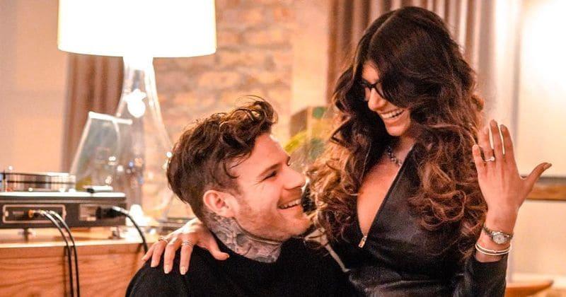 Eks-voksen underholdningsstjerne Mia Khalifa forlovet seg med kokkekjæresten Robert Sandberg
