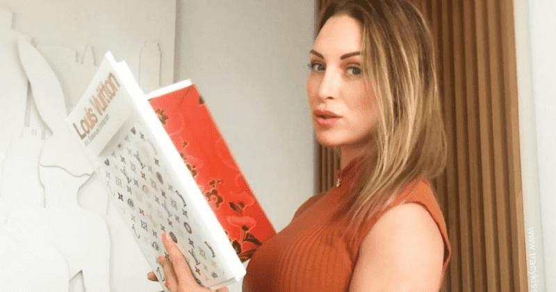 Kto je Tracy Kiss? Matka, ktorá utratila 70 000 dolárov za operácie, hovorí, že ženy ju nazývajú pornohviezdou, ktorá sa snaží ukradnúť manželov