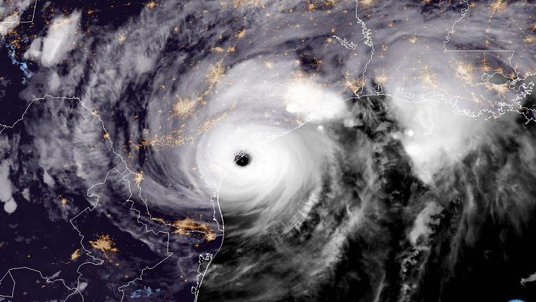 """Hiustono potvynio nuotraukos ir vaizdo įrašai iš uragano """"Harvey"""""""