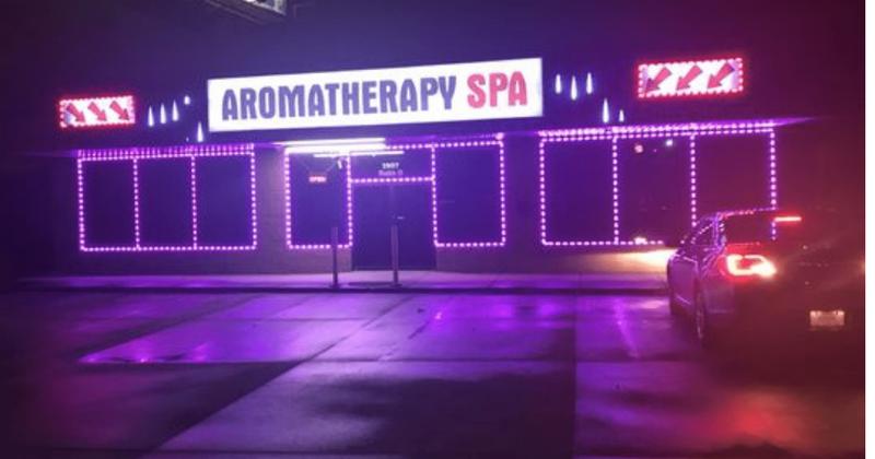Kaj se je zgodilo v zdravilišču Aromaterapija? Tukaj je masažni salon, kjer je Robert Aaron Long ubil eno Azijsko žensko