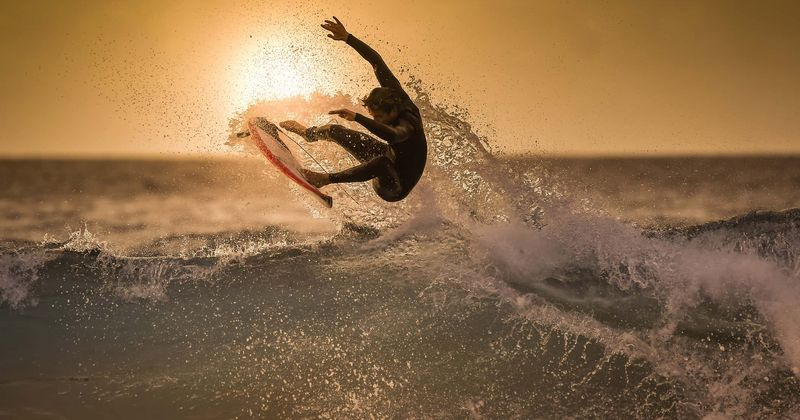 A lenda do surf Vincent 'Sunny' Garcia acorda do coma cinco meses após uma tentativa de suicídio