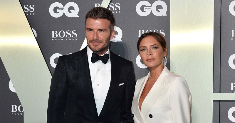 Sin Viktorije Beckham iz Brooklyna hodi z igralko Phoebe Torrance, ki je 'grozljivo podobna svoji materi'