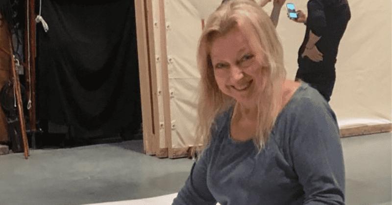Como Evelyn Sakash morreu? A desaparecida decoradora de cenários vencedora do Emmy, 66, encontrada sob o lixo que ela acumulou na casa de NY