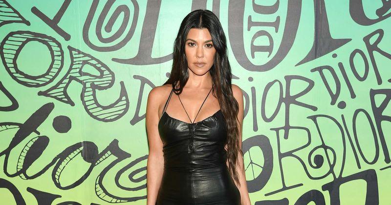 Kourtney Kardashian näitab tütre sünnipäeva tähistades stringides bikiinides kumerusi