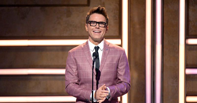 Wat is het nettovermogen van Bobby Bones? De mentor van 'American Idol' heeft 'DWTS' trofee en meerdere radioshows op zijn naam staan