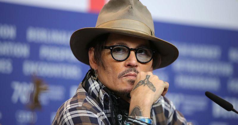 Johnny Depp izgubio je polovicu neto vrijednosti od 400 milijuna dolara na pijanci, ženama i 'topu'